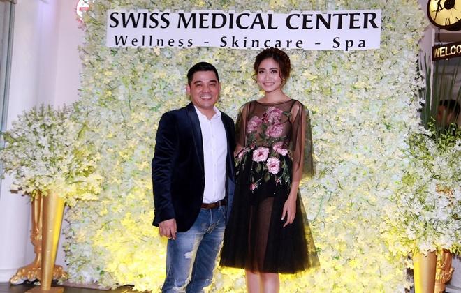 Mai Thu Huyen quyen ru du khai truong Swiss Medical Center hinh anh 4