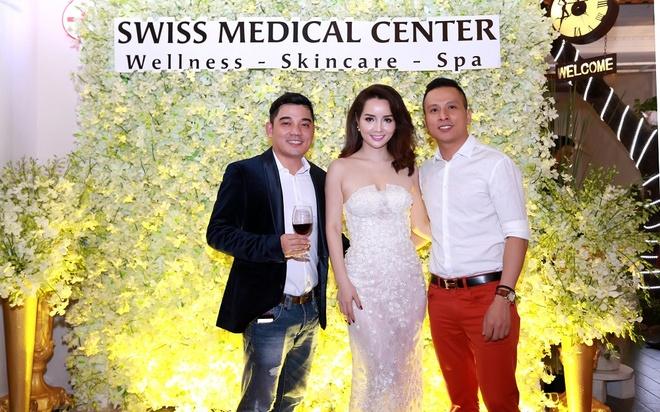 Mai Thu Huyen quyen ru du khai truong Swiss Medical Center hinh anh 1