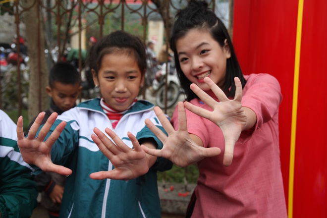 me con nghe si Chieu Xuan don Tet som o Ha Giang anh 8
