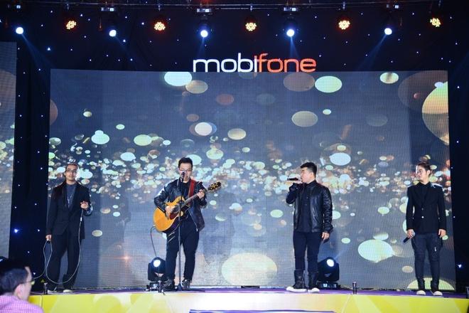 Mobifone to chuc chuong trinh ca nhac cho cong nhan hinh anh 1