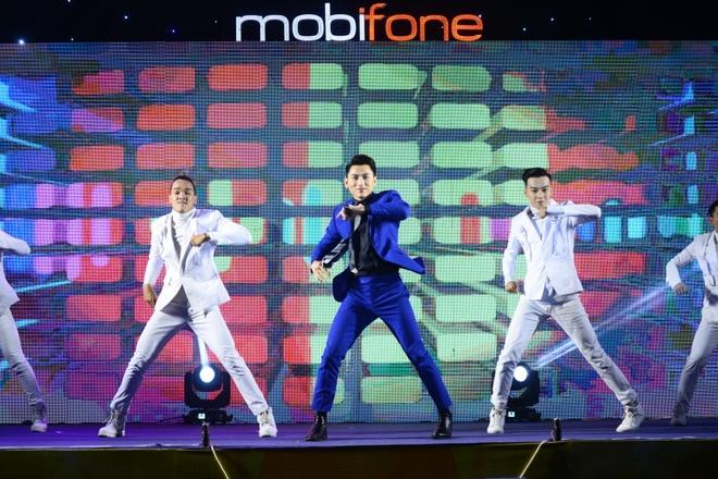 Mobifone to chuc chuong trinh ca nhac cho cong nhan hinh anh 2