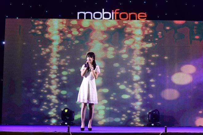 Mobifone to chuc chuong trinh ca nhac cho cong nhan hinh anh 4