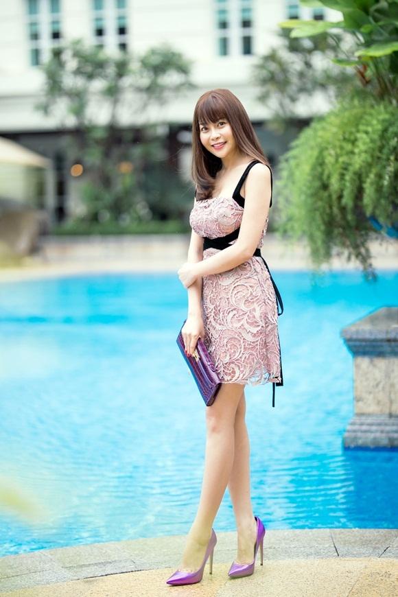 Hoa hau Hai Duong bat ngo di dau gia sieu sim cua Ngoc Trinh hinh anh 6