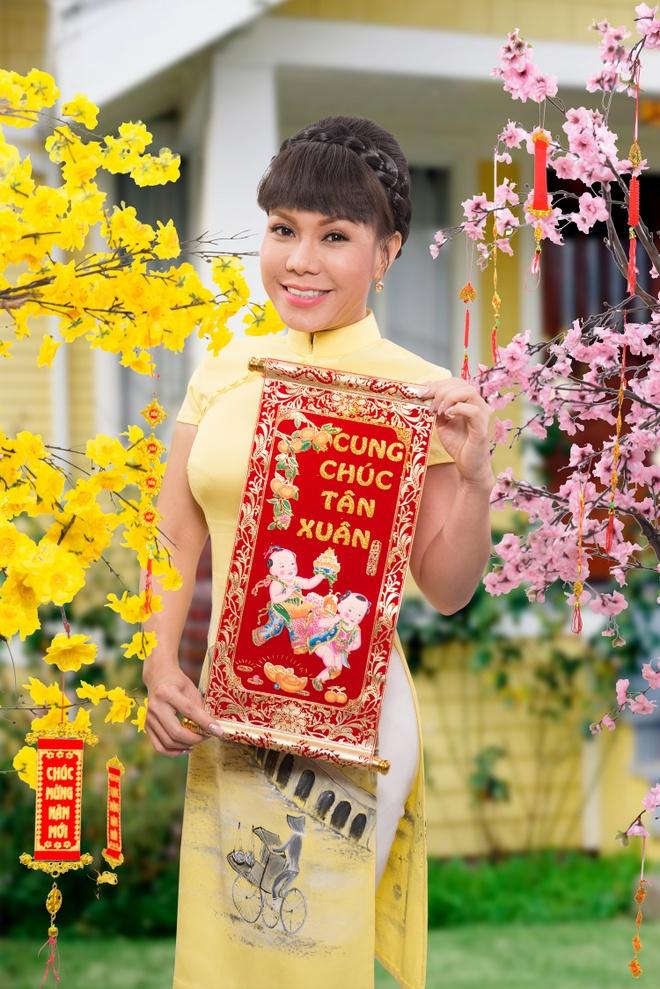 Viet Huong rang ro trong bo anh don xuan hinh anh 1