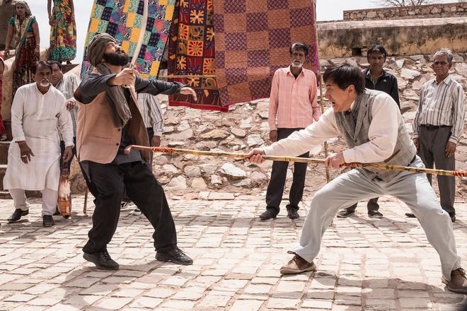 Phim hai Thanh Long hoi tu trai xinh, gai dep hinh anh 1
