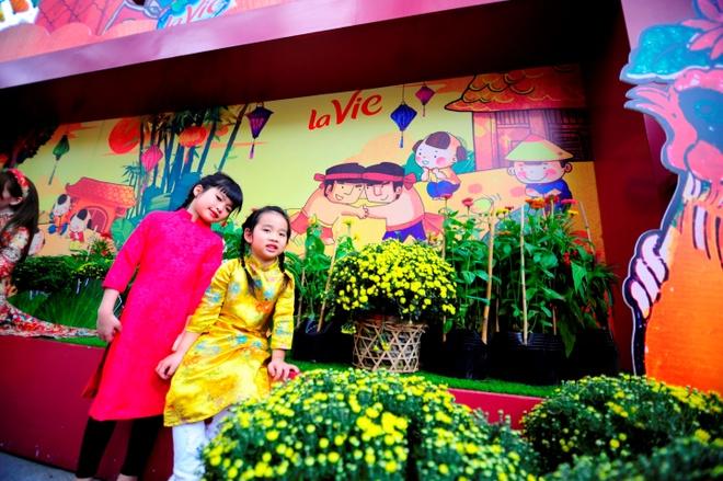 Gioi tre Sai Gon hao huc check-in khong gian Tet co truyen hinh anh 8