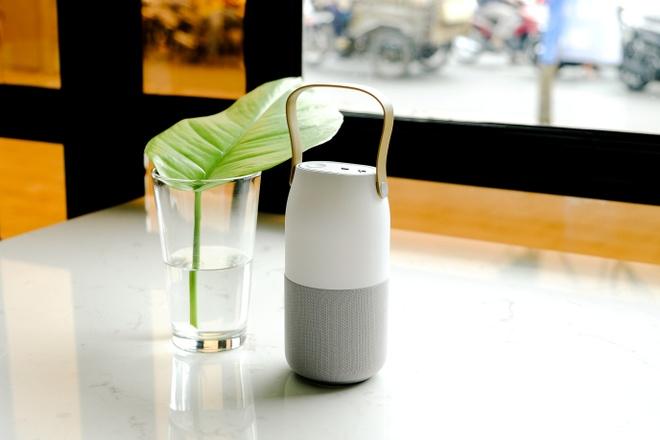 Loa Bluetooth doi mau: Am thanh 360 do, tinh di dong cao hinh anh 1