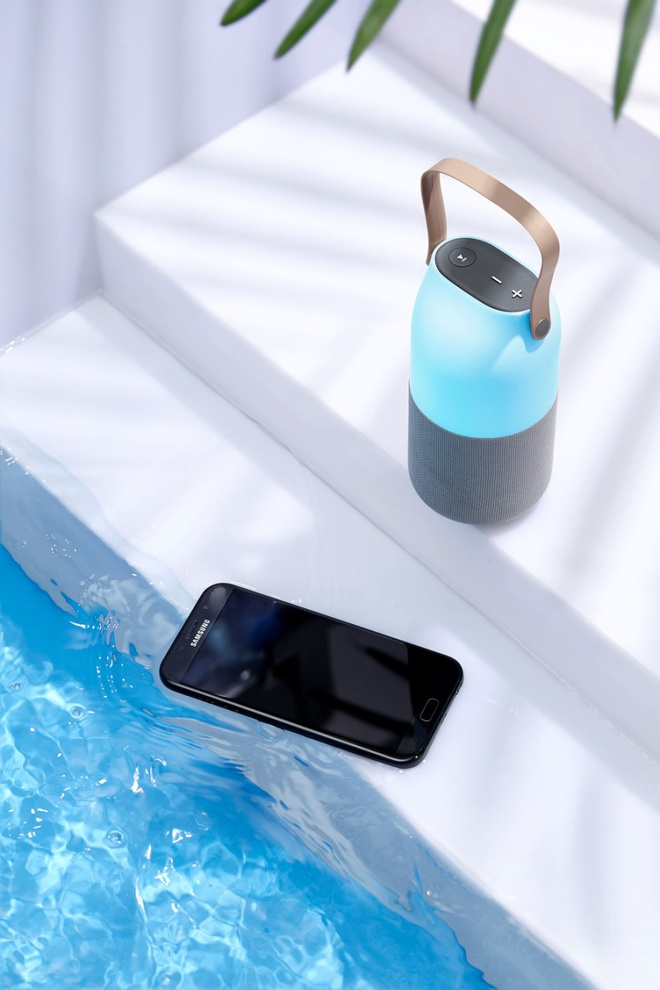 Loa Bluetooth doi mau: Am thanh 360 do, tinh di dong cao hinh anh 11