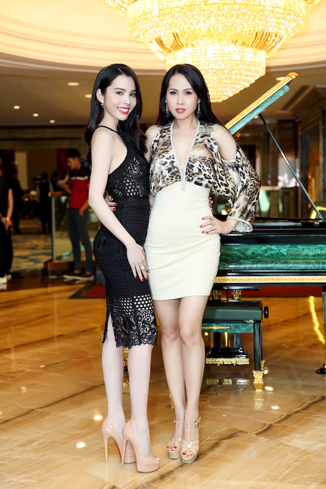 Miss & Mrs. Universal Beauty anh 2