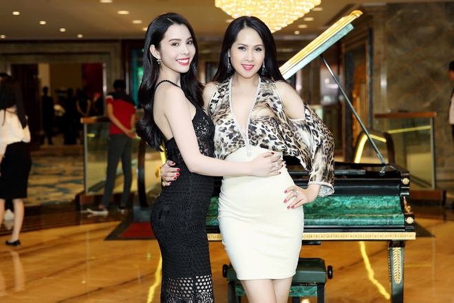 Miss & Mrs. Universal Beauty anh 1