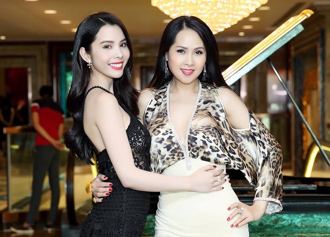 Minh Thu, Huynh Vy hoi ngo tai su kien hop bao hinh anh