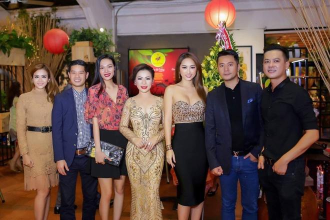 Hoa hau Kristine Thao Lam sang trong tai 'Da tiec mua xuan' hinh anh 4