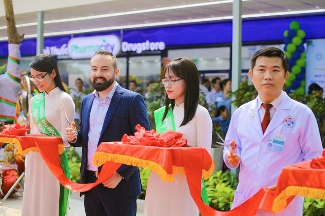 Pharmacity, DH Y Pham Ngoc Thach khanh thanh phong kham moi hinh anh 1