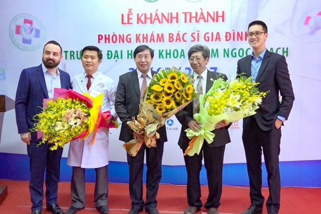 Pharmacity, DH Y Pham Ngoc Thach khanh thanh phong kham moi hinh anh 2