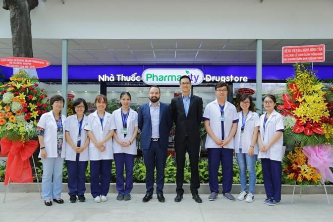 Pharmacity, DH Y Pham Ngoc Thach khanh thanh phong kham moi hinh anh 4