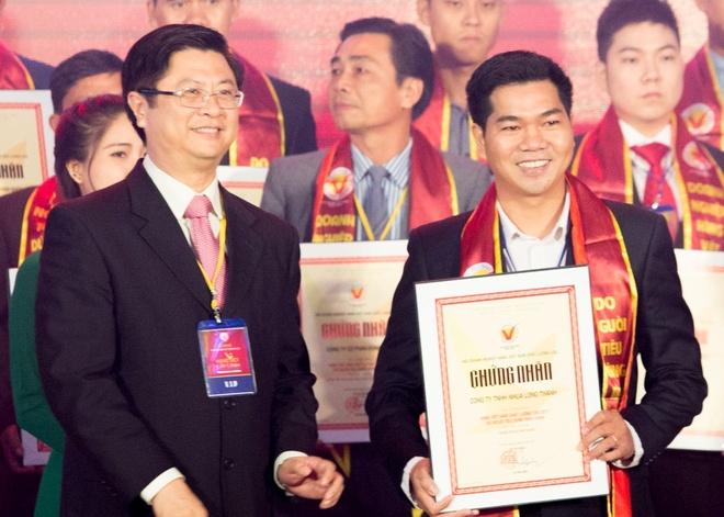 Nhua Long Thanh nhan danh hieu hang Viet Nam chat luong cao 2017 hinh anh