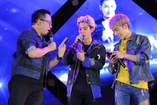 Soobin Hoang Son, Isaac, Dong Nhi bung no trong dem nhac o Binh Phuoc hinh anh 6