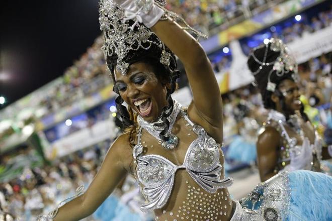 Carnival anh 4