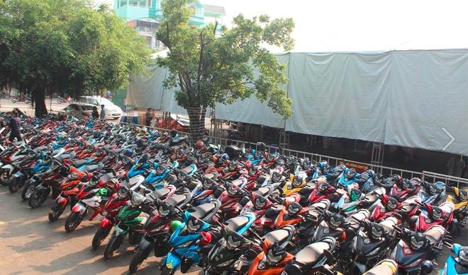 1.000 biker va 300 mau do WINNER hoi tu hinh anh 1