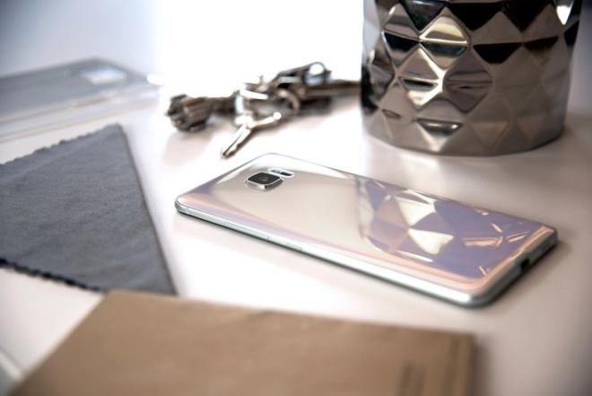 HTC U Ultra chinh thuc len ke tai VN, gia 18,49 trieu dong hinh anh 1