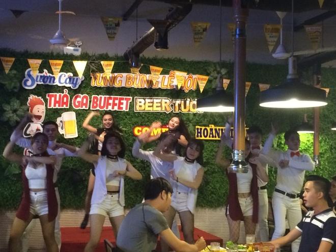 Thuong thuc buffet bia tuoi 99.000 dong tai Suon Cay Phan Van Truong hinh anh 5