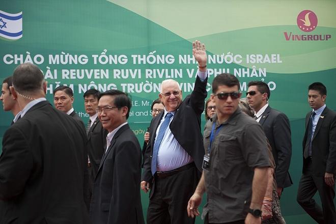 Tong thong Israel va phu nhan tham nong truong Tam Dao hinh anh 5
