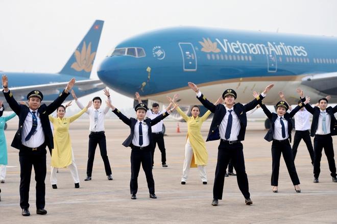 Hau truong MV 'Bay len Viet Nam' cua thanh nien Vietnam Airlines hinh anh 6