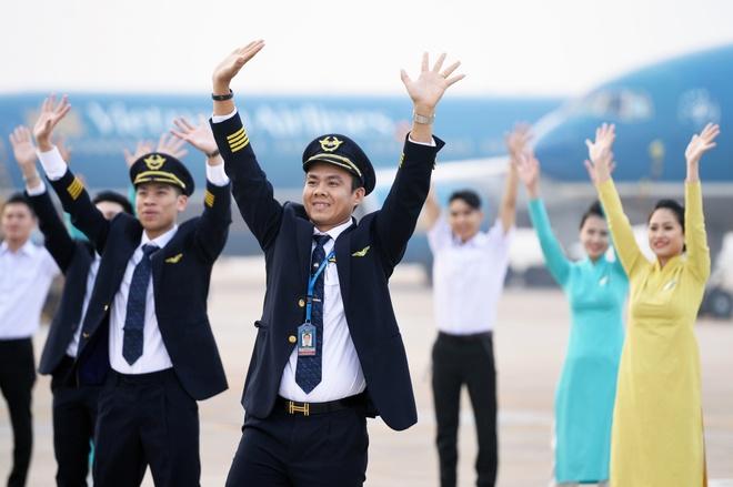 Hau truong MV 'Bay len Viet Nam' cua thanh nien Vietnam Airlines hinh anh 2
