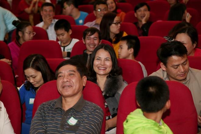 Nguoi dan Thanh Hoa ngoi hang dai doi kham tam soat ung thu mien phi hinh anh 9