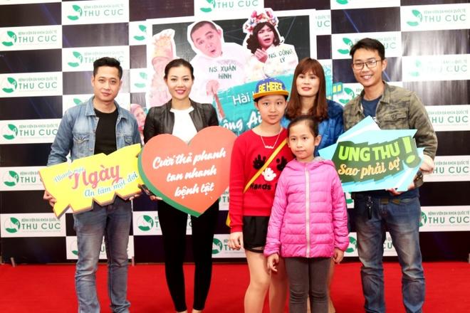 Nguoi dan Thanh Hoa ngoi hang dai doi kham tam soat ung thu mien phi hinh anh 10
