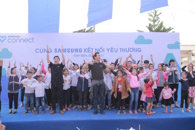 Phan Anh, Thien Minh tiep suc cho tre em Tay Bac hinh anh 8
