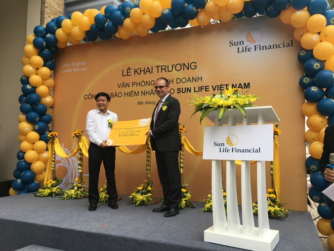 Sun Life Viet Nam khai truong phong kinh doanh bao hiem nhan tho moi hinh anh 1