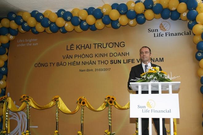 Sun Life Viet Nam khai truong phong kinh doanh bao hiem nhan tho moi hinh anh 3
