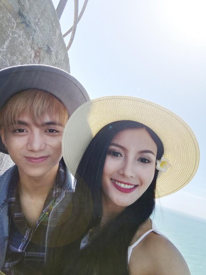 Soobin Hoang Son chup anh 'ban gai' tren bien anh 3