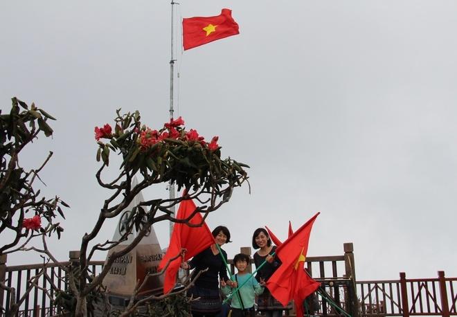 Muon hoa khoe sac tai Le hoi hoa do quyen Fansipan Legend hinh anh 8