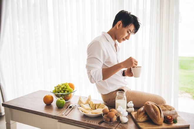 Isaac tinh tu cung 'phien ban Ha Tang' trong MV moi hinh anh 5