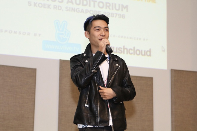 Noo Phuoc Thinh hat hang loat ban hit tai mini concert Singapore hinh anh 3