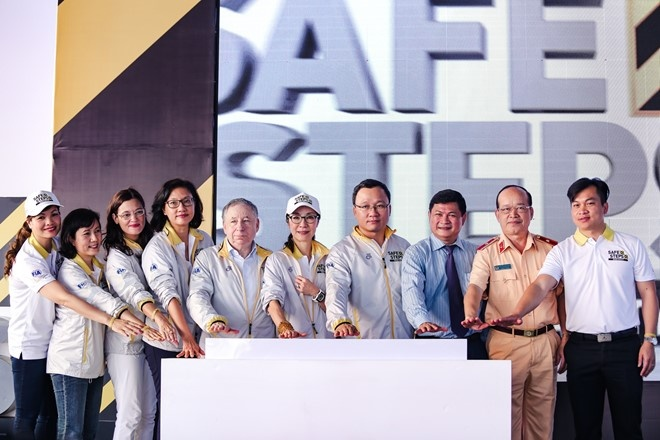 Duong Tu Quynh cung Jean Todt tham Richard Mille Ha Noi hinh anh 1