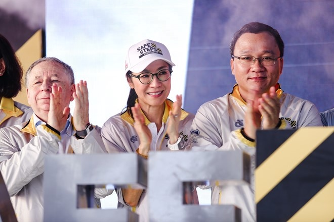 Duong Tu Quynh cung Jean Todt tham Richard Mille Ha Noi hinh anh 2