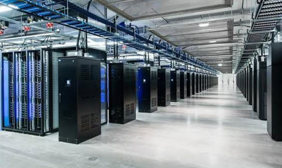 DN can can nhac gi khi chon dich vu thue ngoai Data Center? hinh anh