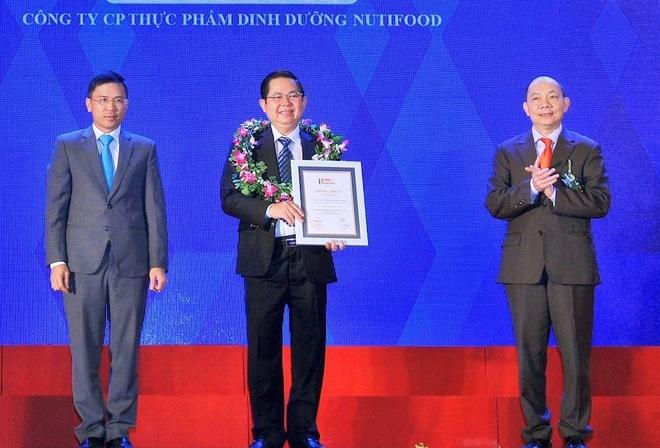 NutiFood lot top 10 Doanh nghiep Viet Nam thinh vuong hinh anh