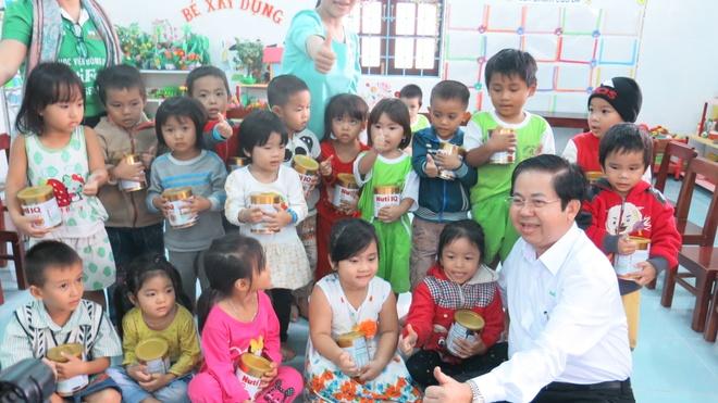 NutiFood lot top 10 Doanh nghiep Viet Nam thinh vuong hinh anh 4