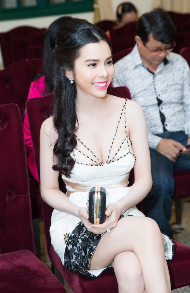 A khoi Huynh Vy se tham du Le hoi khinh khi cau quoc te 2017 hinh anh 1