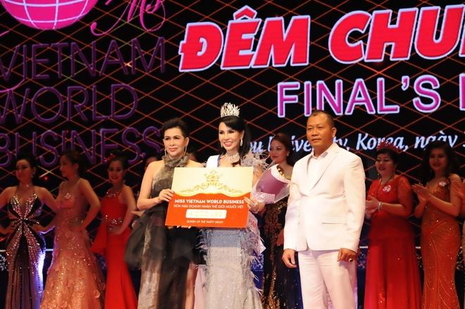 Celin tang vuong mien cho HH Doanh nhan The gioi nguoi Viet 2017 hinh anh 4