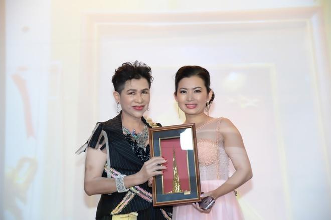 Celin tang vuong mien cho HH Doanh nhan The gioi nguoi Viet 2017 hinh anh 8