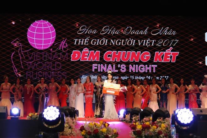 Celin tang vuong mien cho HH Doanh nhan The gioi nguoi Viet 2017 hinh anh 5