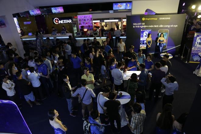 The Gioi Di Dong lan dau tien gioi thieu Samsung Galaxy S8, S8 Plus hinh anh 3