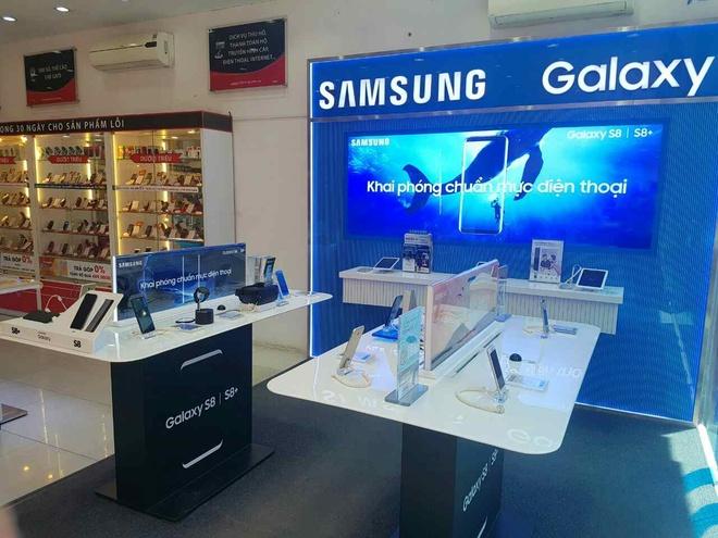 Man ra mat Galaxy S8 an tuong tren khinh khi cau cua FPT Shop hinh anh 5