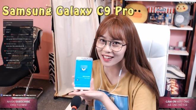 Trai nghiem streaming e-Sports bang Galaxy C9 Pro hinh anh 3