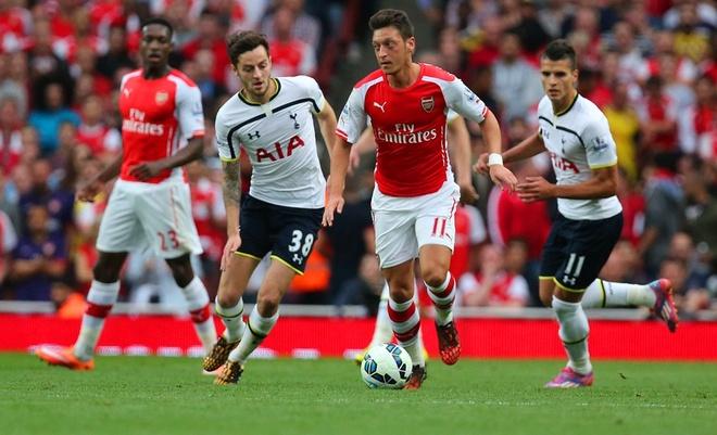 Man City - MU va Tottenham - Arsenal: Hon chien top 4 hinh anh